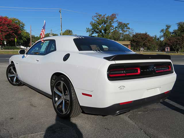 "2016 Dodge Challenger ""R/T"" SHAKER!! LOW MILES/SUNROOF"