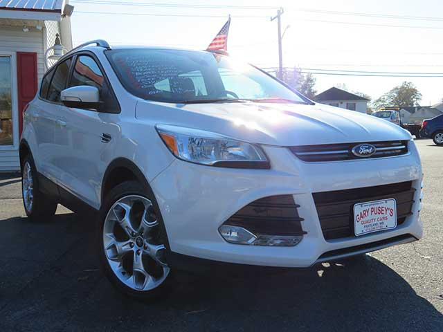 "2014 Ford Escape ""Titanium"" 4x4 ONLY 41,k miles/Nav/Leather/Pearl White"