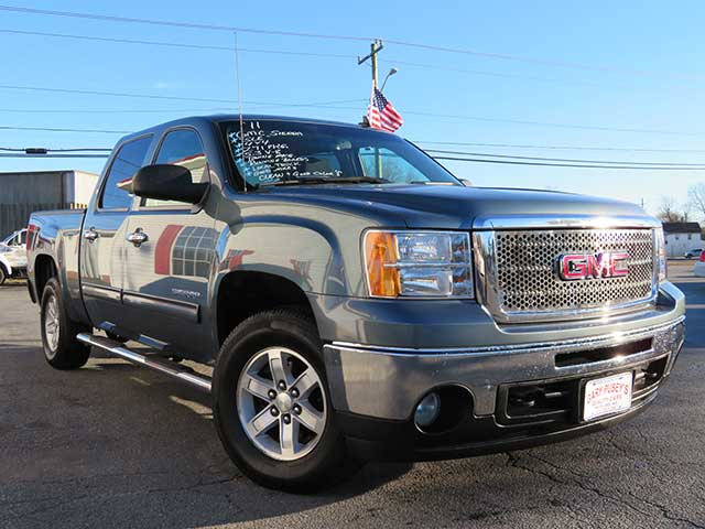 "2011 GMC Sierra ""SLE"" Crew Cab 4x4 Z71 Clean Local Truck"