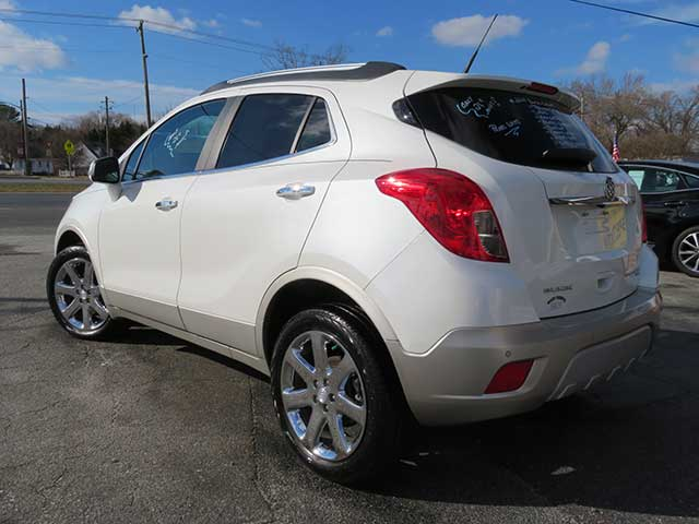 "2014 Buick Encore ""Premium"" AWD ONLY 21,k miles Nav/Leather/Sunroof/Chrome Wheels"