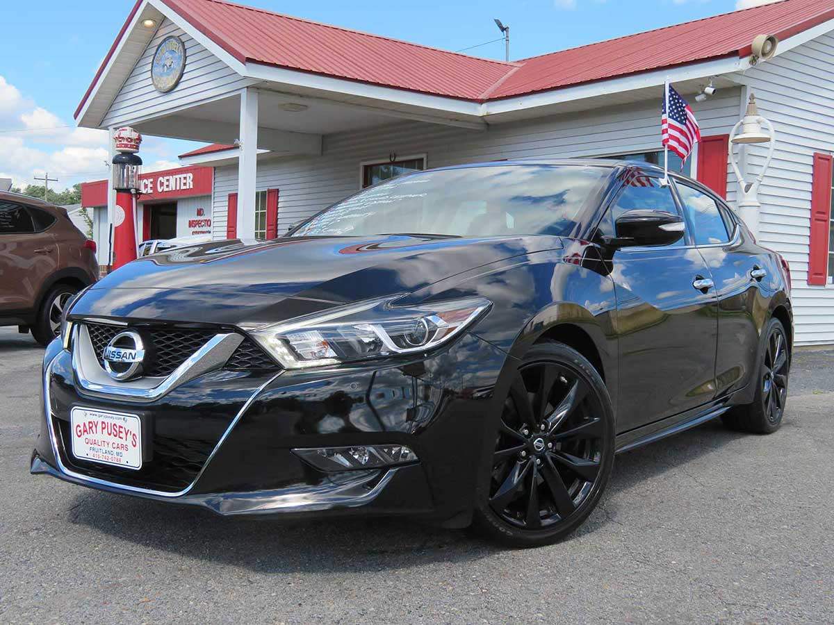 "2017 Nissan Maxima SR ""Midnight Edition"" ONLY 22,k miles Nav./Leather/Loaded"