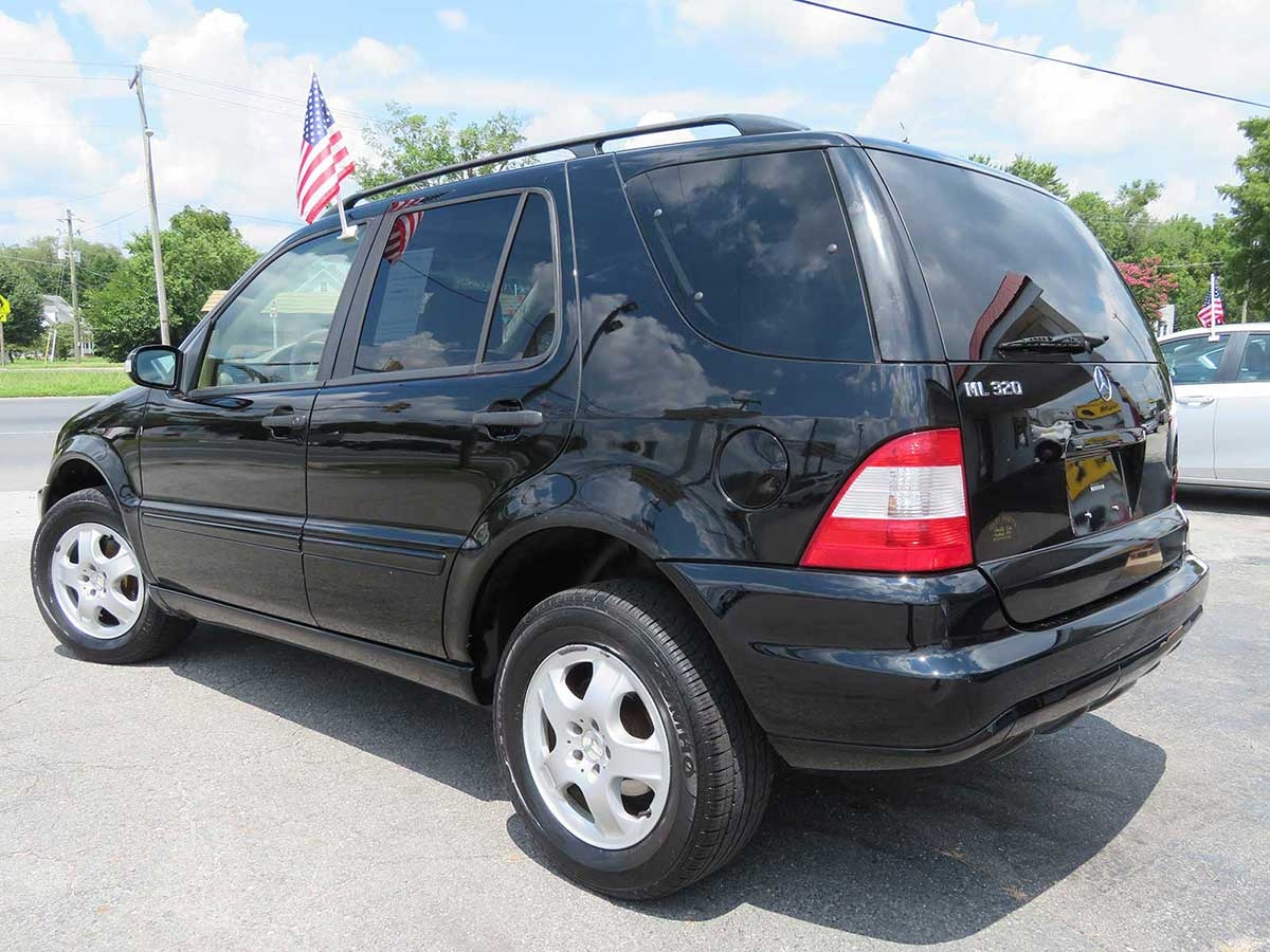 2003 Mercedes ML320 AWD Locally Owned!