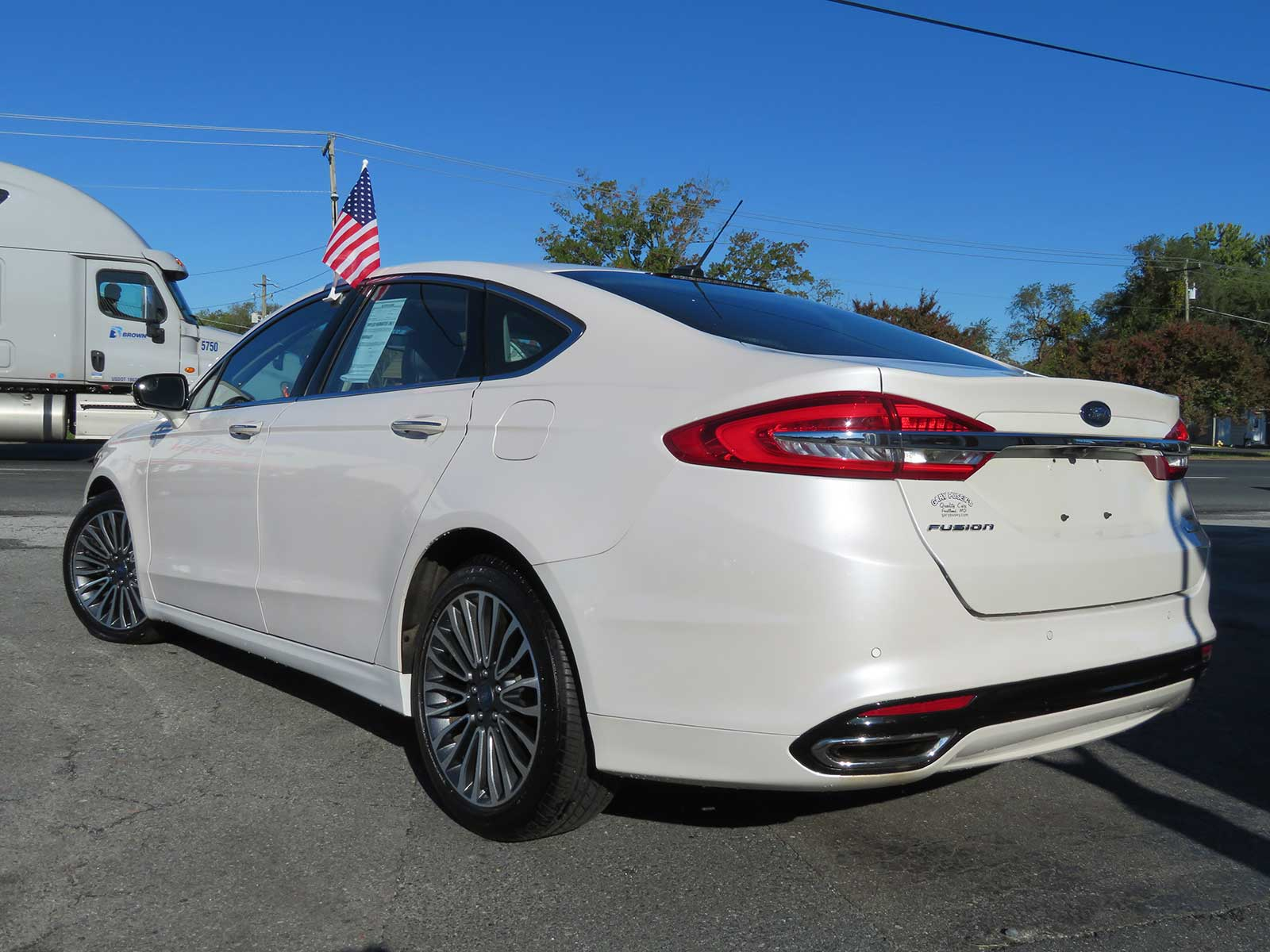 "2017 Ford Fusion ""SE"" ONLY 24,k miles! Pearl White/Sunroof/Leather/2.0 EcoBoost"