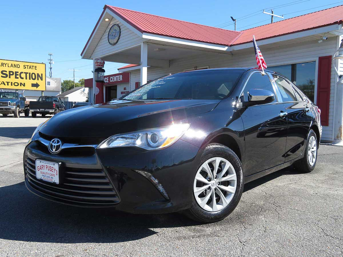 "2017 Toyota Camry ""LE"""