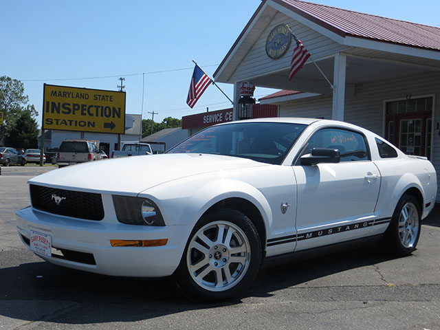 2009 Ford Mustang Coupe ONLY 27,k miles!